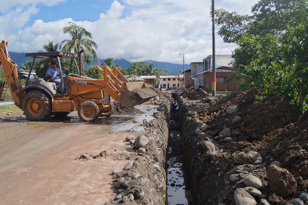 Adecuacion de tuberia nueva para  agua potable de la ciudad de Santiago